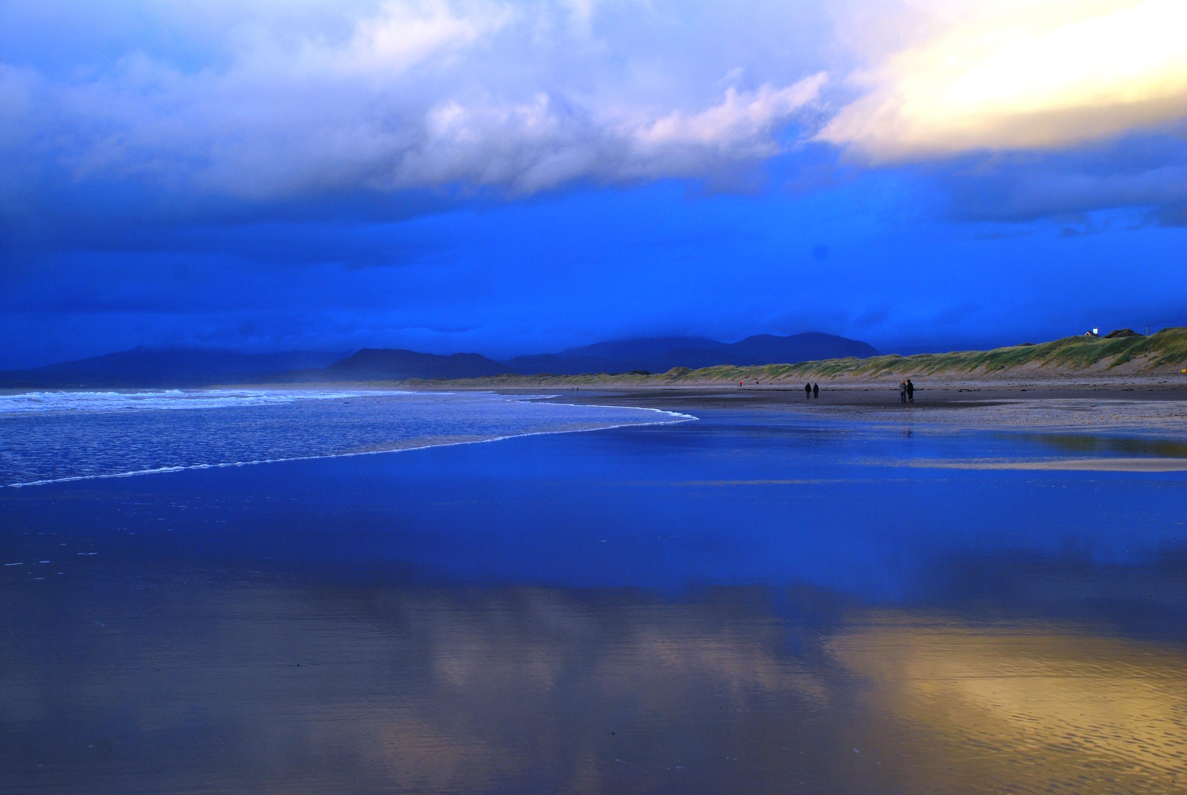 Harlech Beach Sunset Photo: Will Brownlie